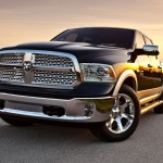 2013-Dodge-Ram-1500-front-three-quarters-view-2