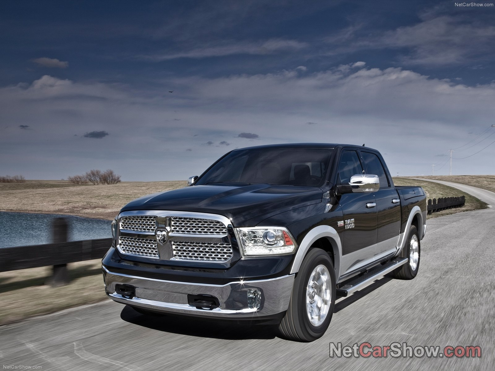 dodge ram 1500 pickup truck informationen neuwagen. Black Bedroom Furniture Sets. Home Design Ideas