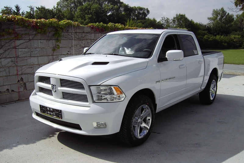 dodge ram 1500 quad cab sport wei modell 2012 ucpi. Black Bedroom Furniture Sets. Home Design Ideas