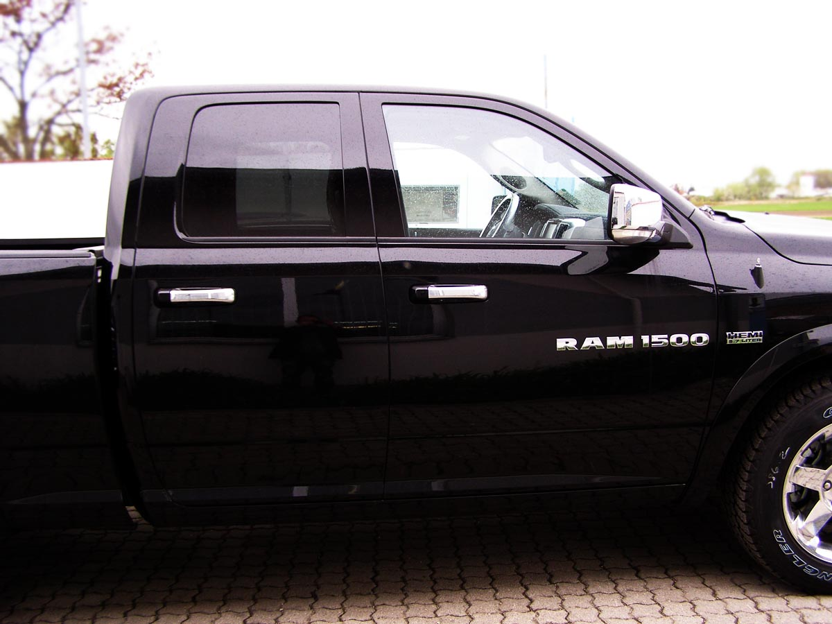 dodge ram 1500 quad cab laramie modell 2012 ucpi. Black Bedroom Furniture Sets. Home Design Ideas